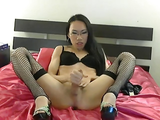 Asian Yummy cum on webcam.